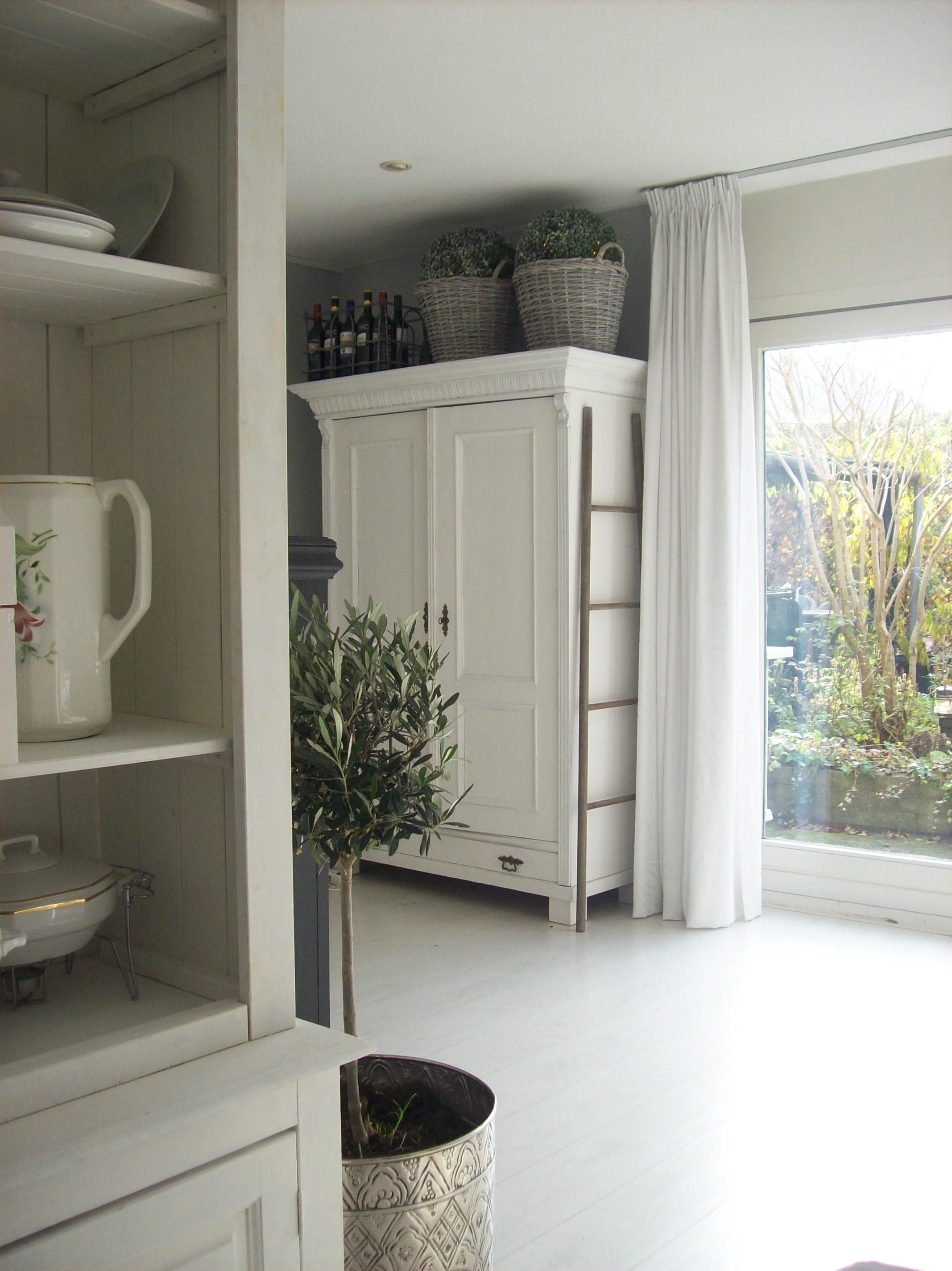 Kast bed met tr - Kleur moderne woonkamer ...