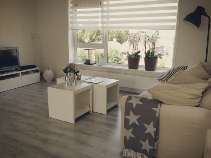 Inspiratie woonkamer romantisch for - Naakt in haar woonkamer ...