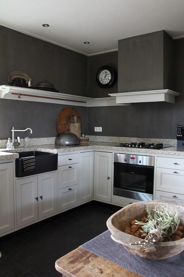landelijk stoere keuken in grijstinten