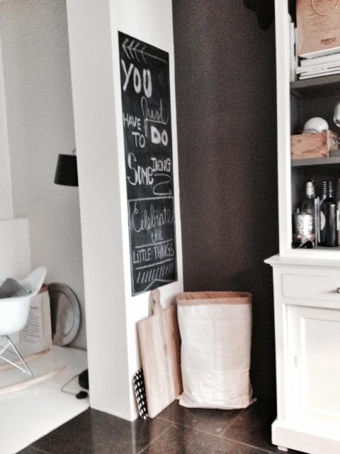 Zwart Wit Zeil Keuken : Marieke en haar gezin in hun jaren `20 woning – Inspiratie voor je