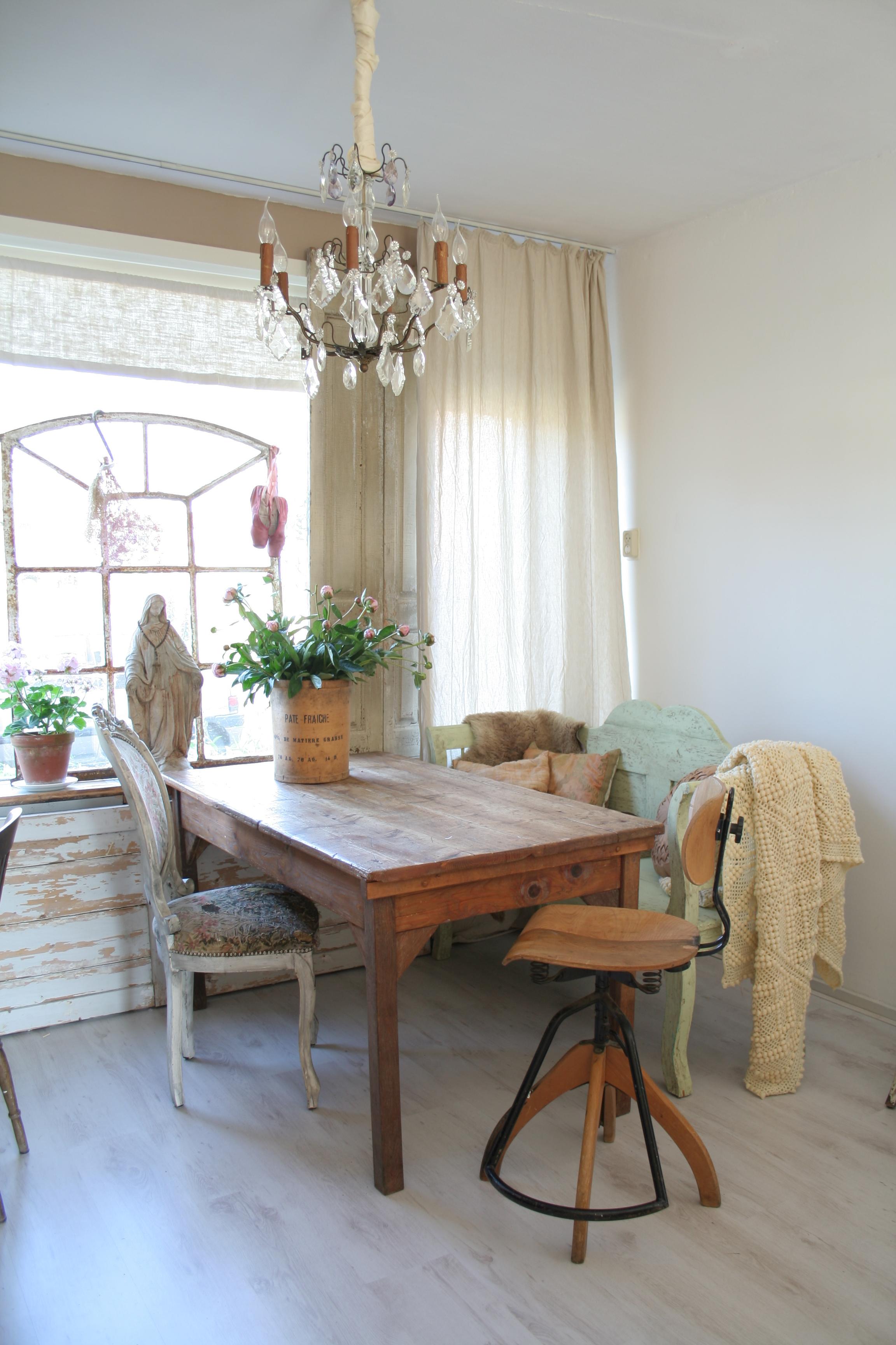Grijze muur witte keuken alles over de keuken grijze is hip en in alle keukenstijlen - Witte en grijze keuken ...